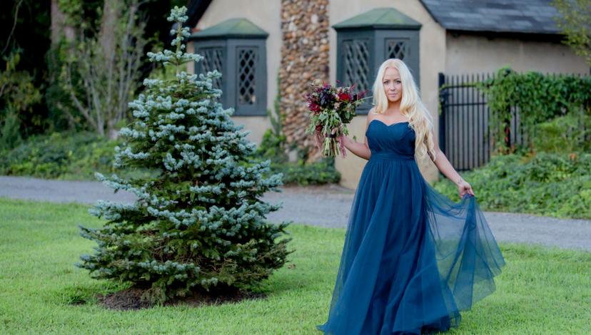 16-alice-in-wonderland-wedding-dress.png