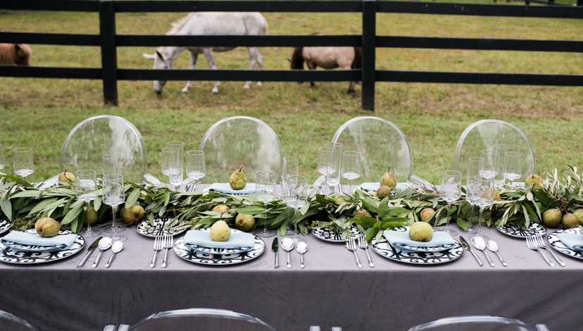25-outdoor-wedding-table.png