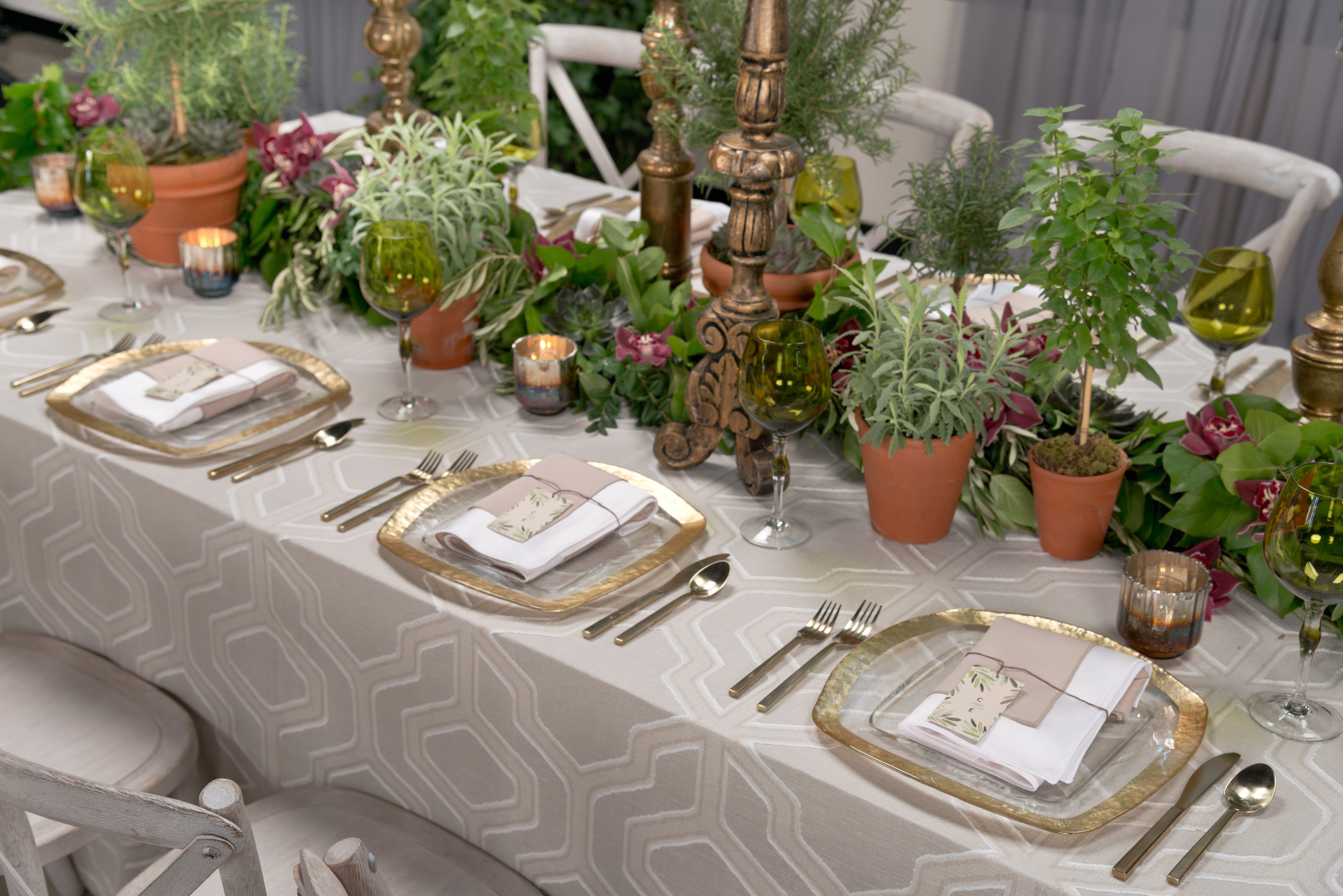 BBJ Linen Everlast Kehoe Collection - Sand Angelina Tablescape