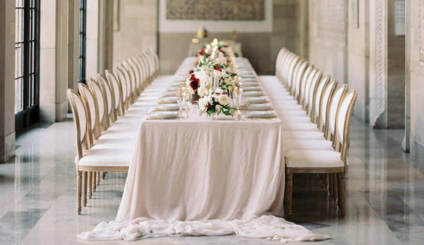 Flowing Table Linen for Summer Wedding