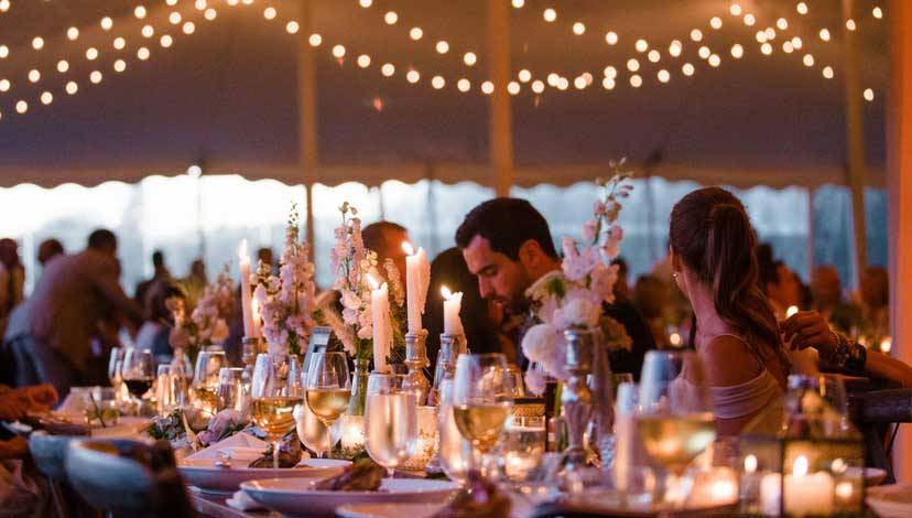 rustic-wedding-candlelight