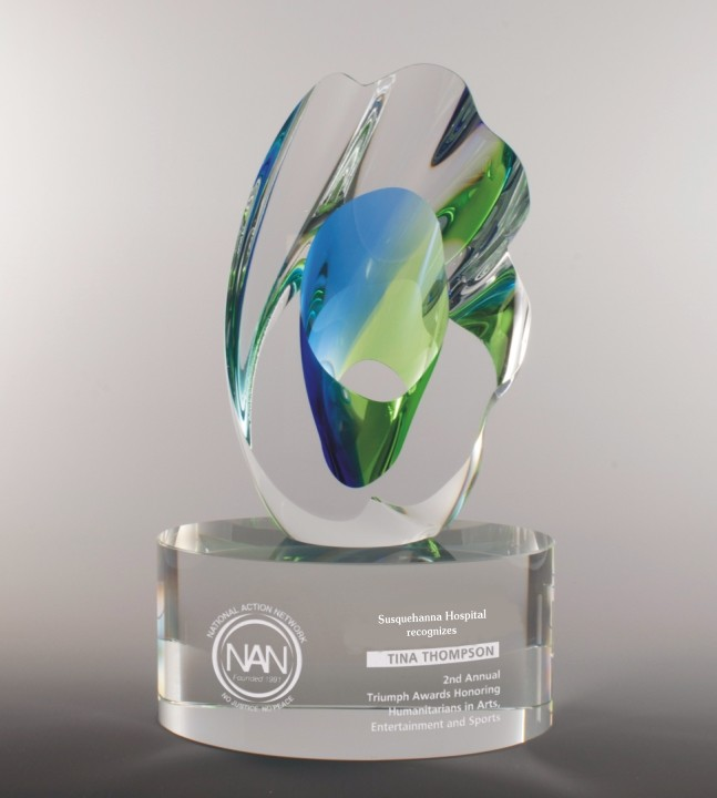 Engraved Art Glass Award Hospital_0.jpg