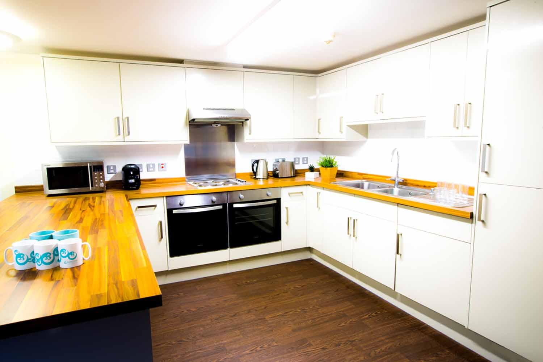 Brighton_Acc_Pheonix Halls of Residence_Kitchen_01