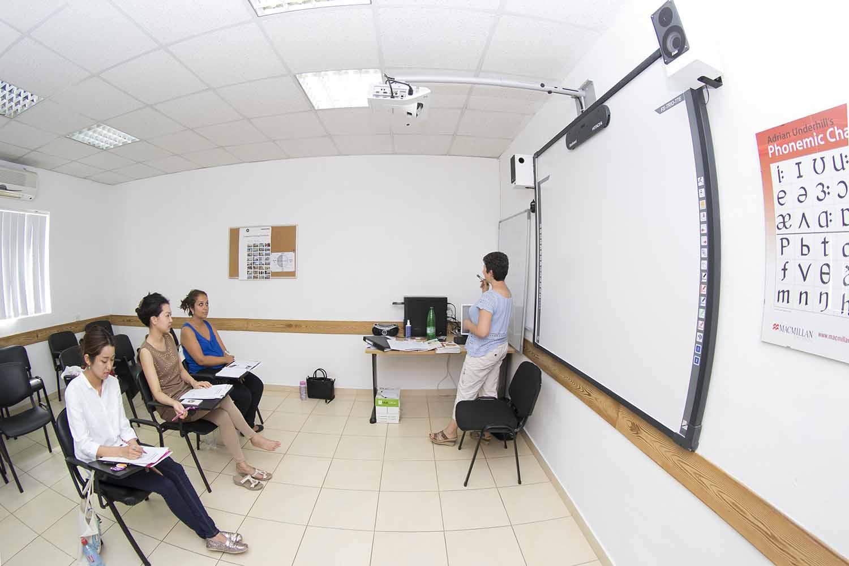 Malta_School_Classroom_01