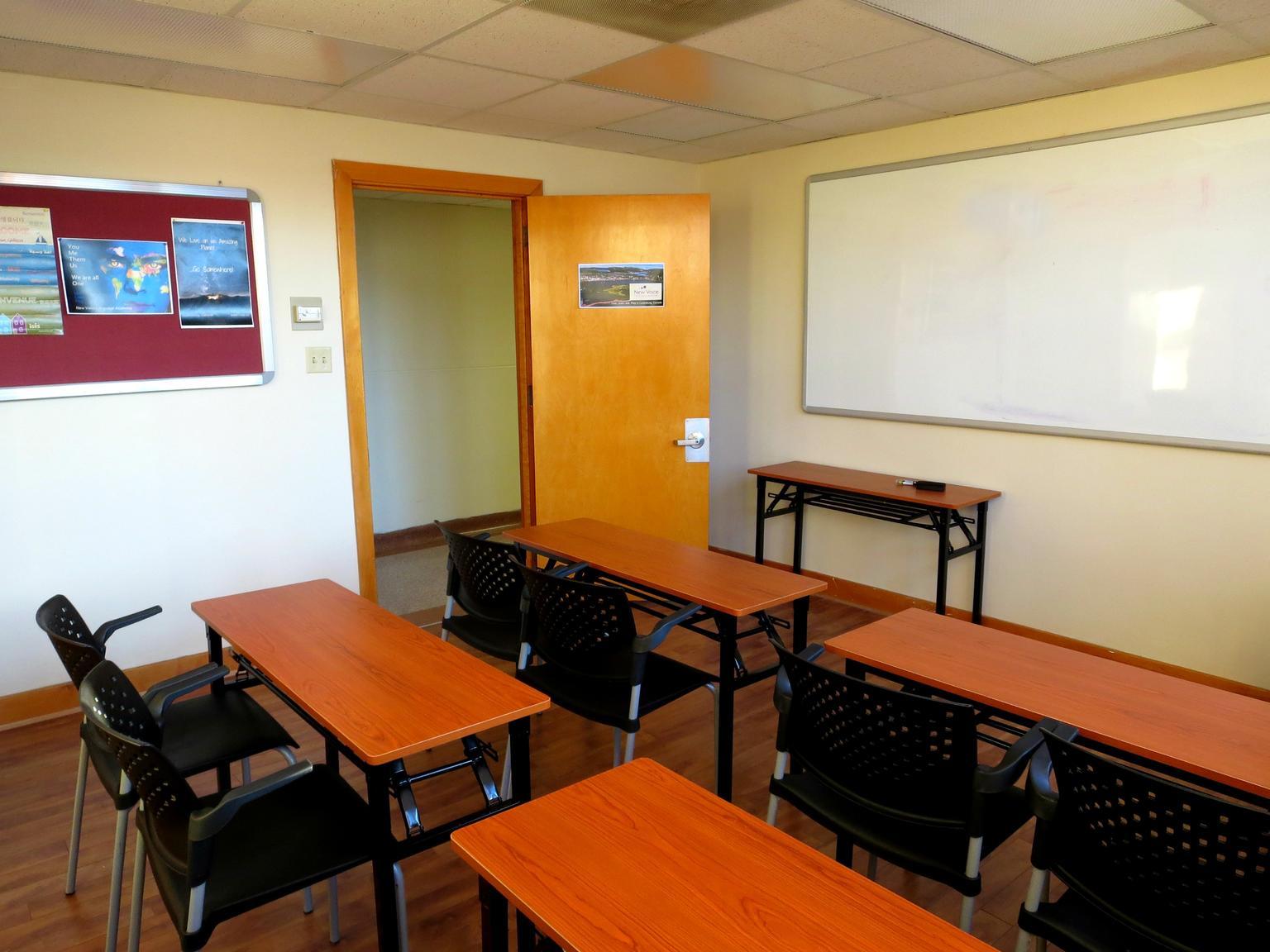 eurocentres_lunenburg_school_classroom