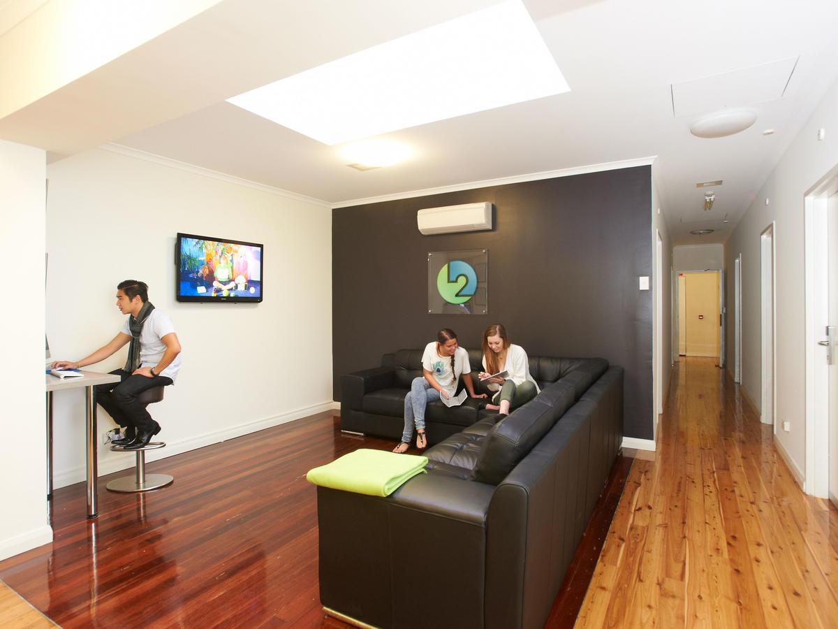 sydney_acc_link2_reisdence_living-room_01_0