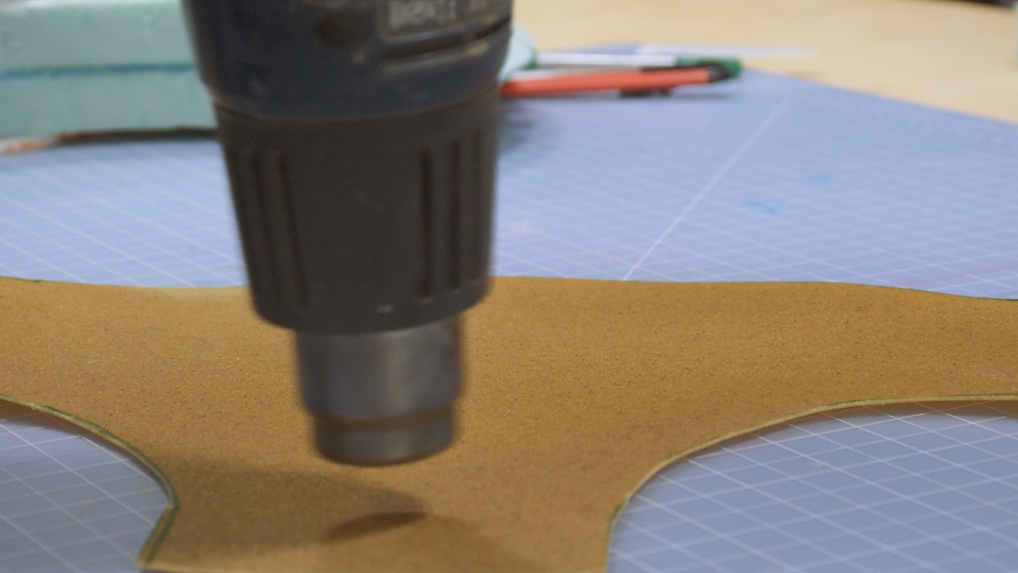 Heating Worbla with a heat gun for cosplay
