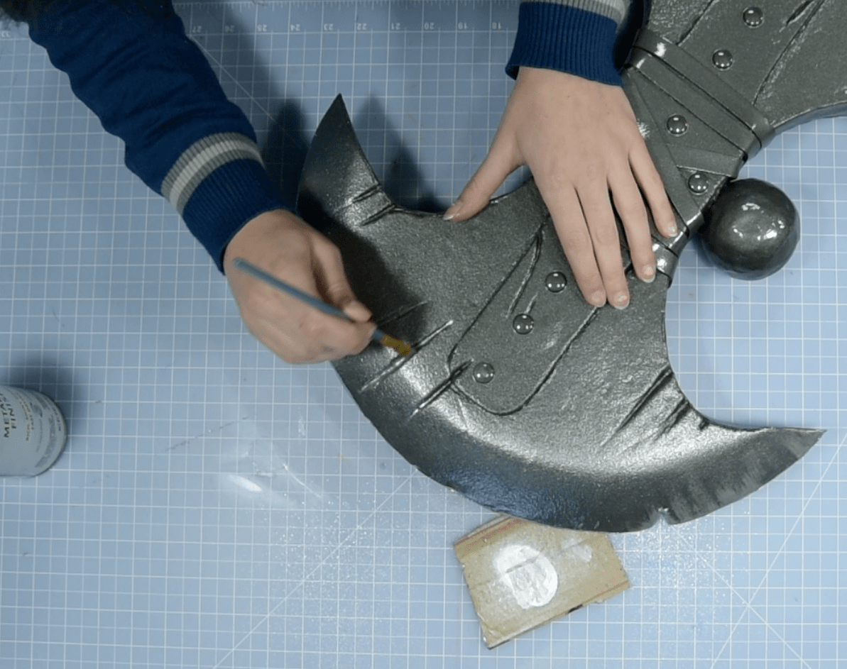 Weathing foam cosplay weapon using silver paint