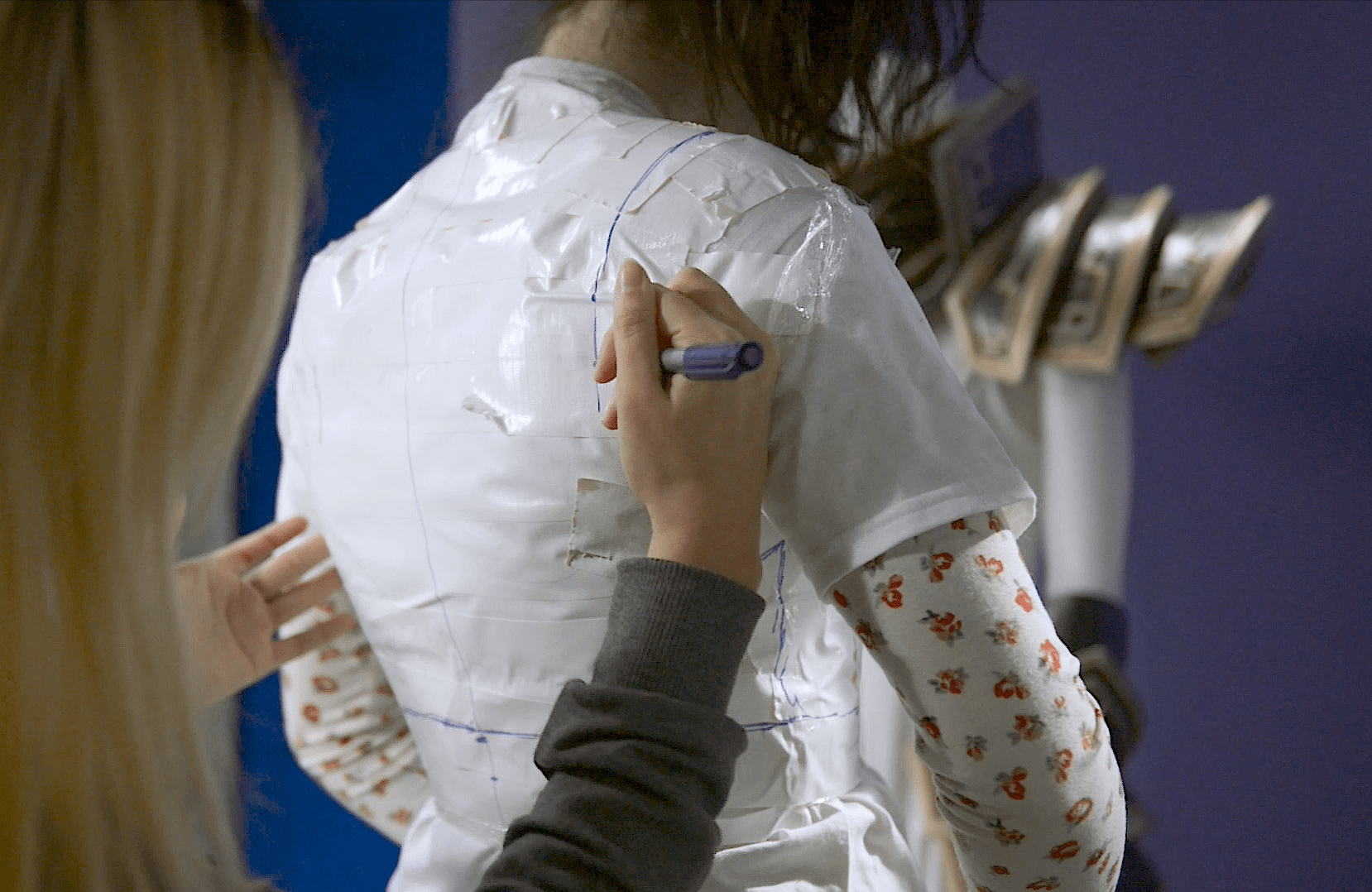 Drawing cosplay armor pattern onto tape cast