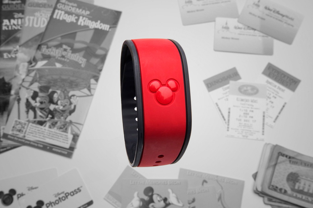 disneymagicband5_f-1024x681 - photo credit: kent phillips/wired