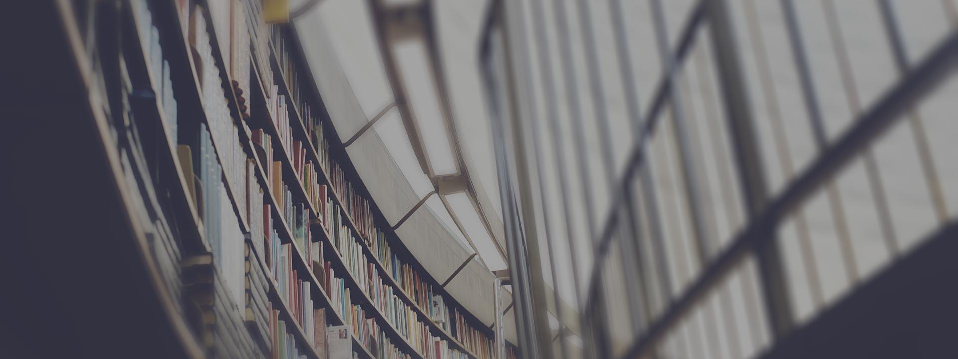 book-cover-7-habits-summary-desktop-dark-less-blurry.jpg