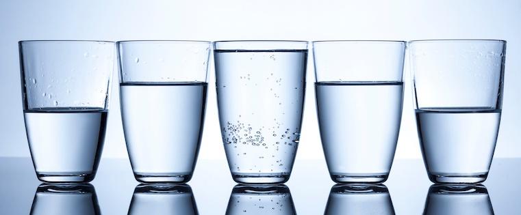 Optimists_versus_Pessimists.jpeg