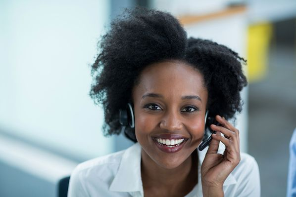 5 Highly-Rated Wireless Headsets for Call Center Agents & Customer Service Reps