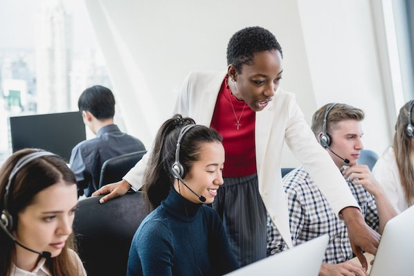 The 16 Best Call Center Software (& Features You Need) in 2021