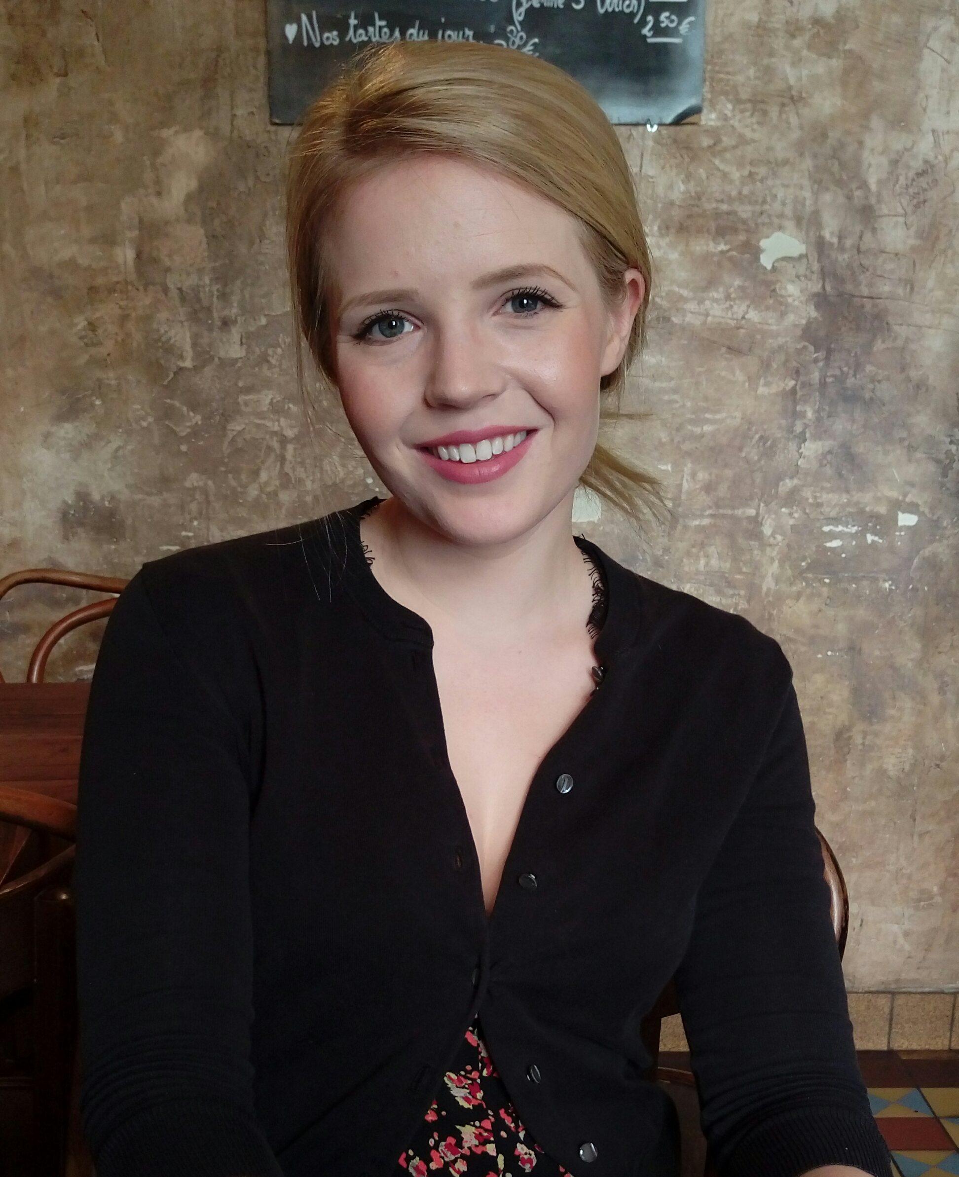 Holly Theisen-Jones