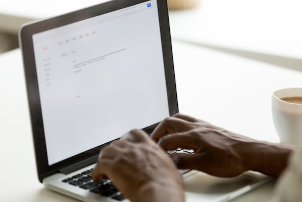 how-to-introduce-yourself-over-email