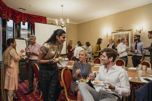 How to Master Non-Awkward, Effective In-Person Networking