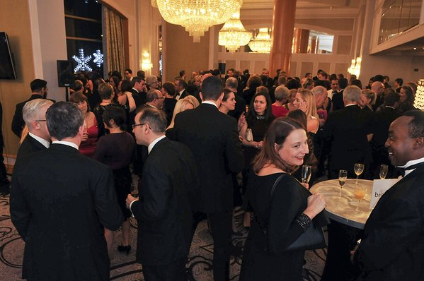 Photo of Atendees of the event ICSA Awards 2015 enjoying the party