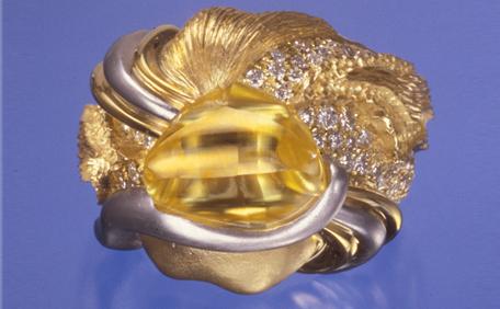 KahnCanary-yellow-diamonds.png