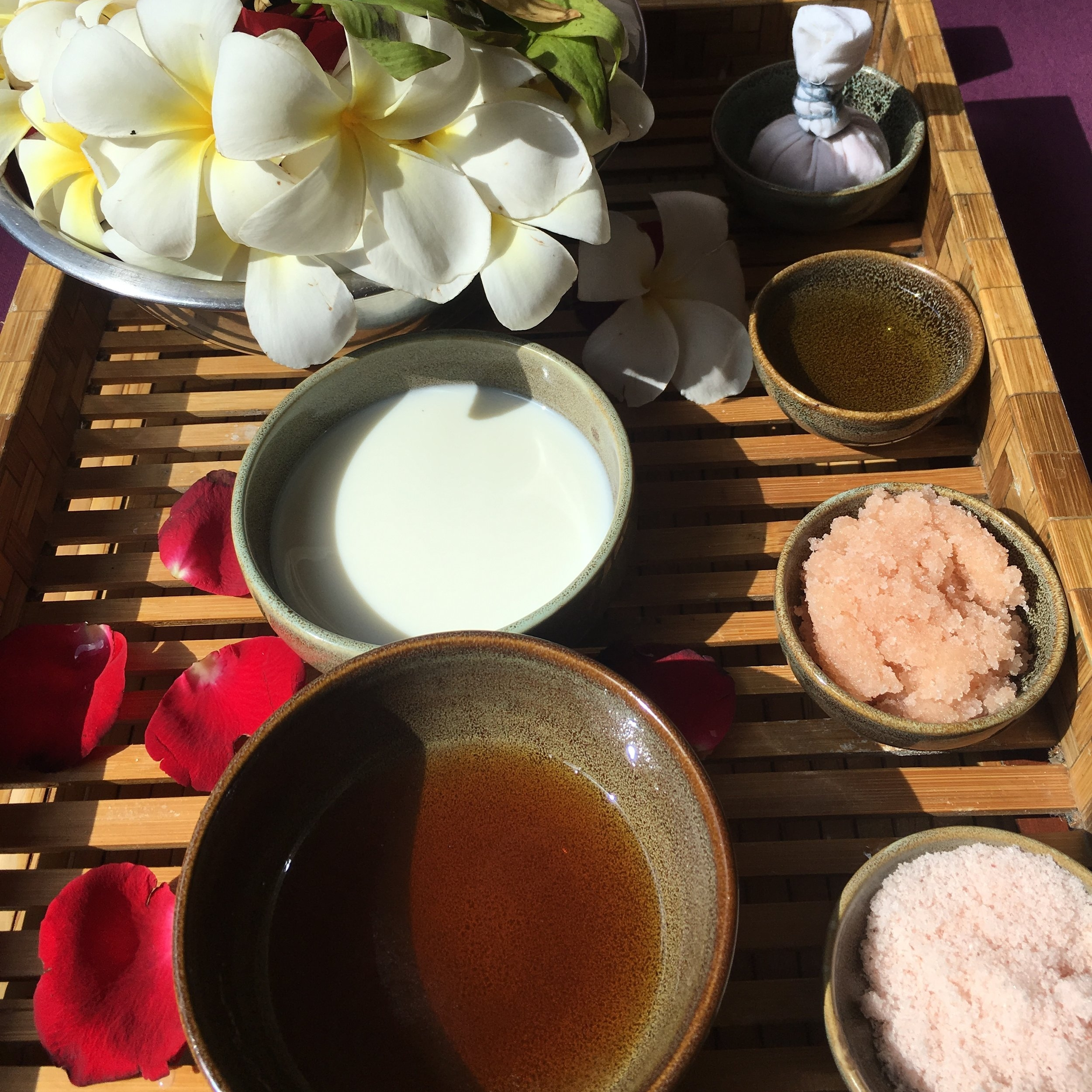 The ingredients for the Himalayan salt, honey and milk scrub treatment