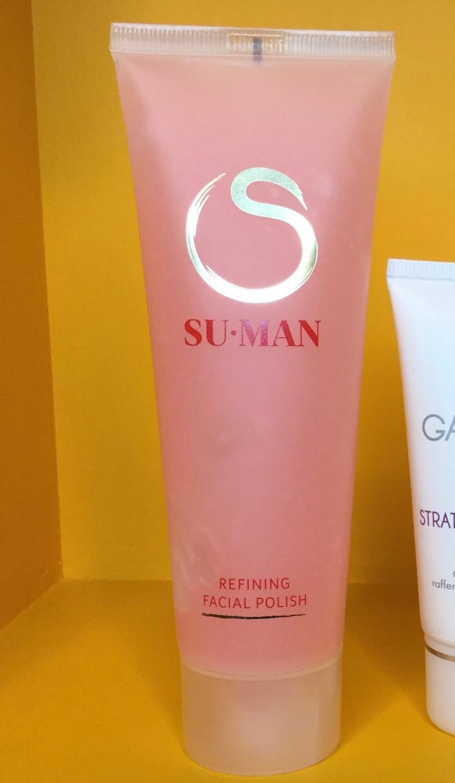 Su-Man's Refining Polish exfoliates without scrubbing the skin