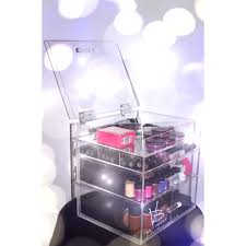 A clear case for more make-up: Vanity Boxx
