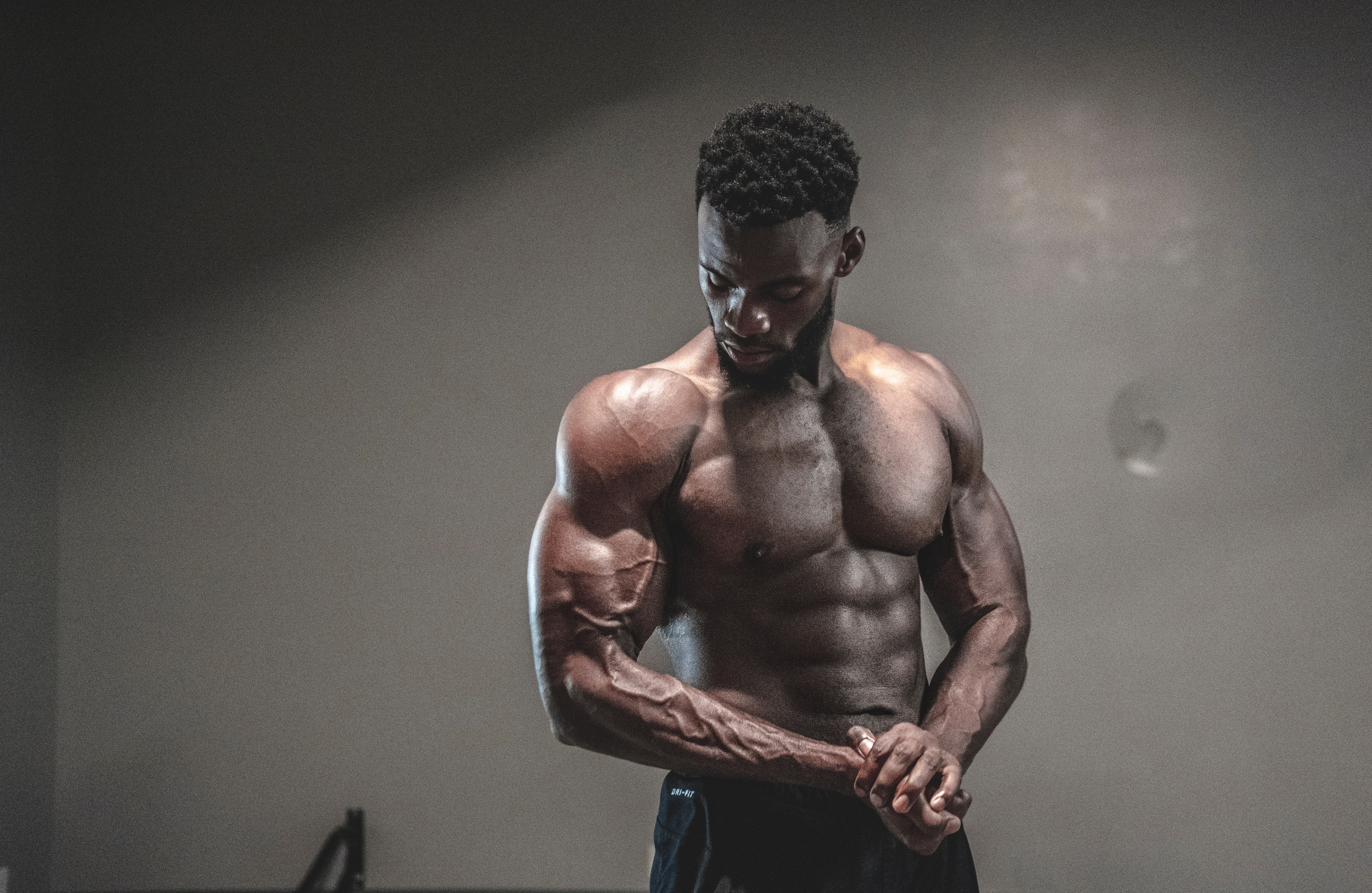 photo-of-man-with-muscular-body-1547248