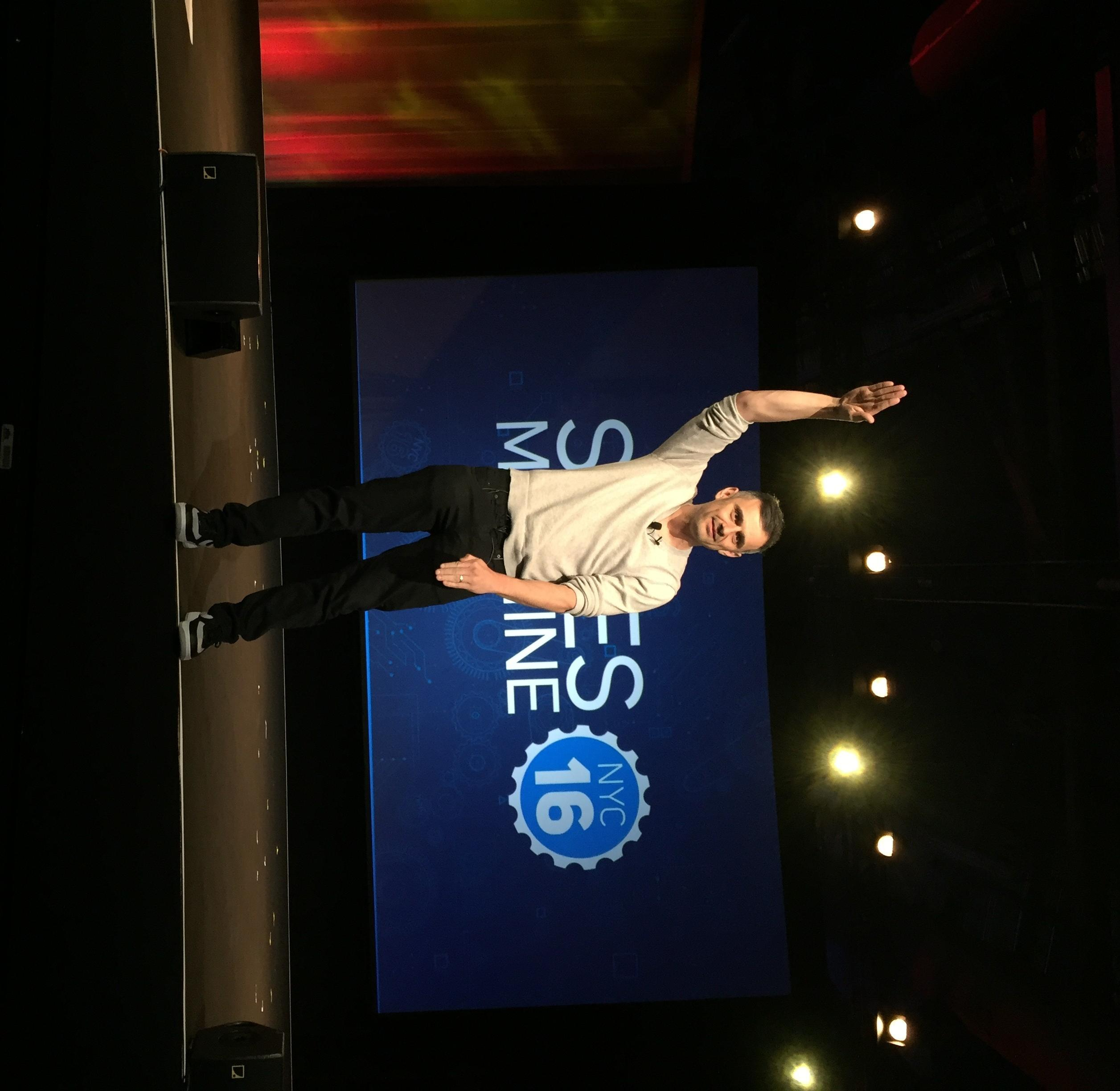 How #SocialSelling Got Me Front Row Seats at #SalesMachine for Gary Vaynerchuk