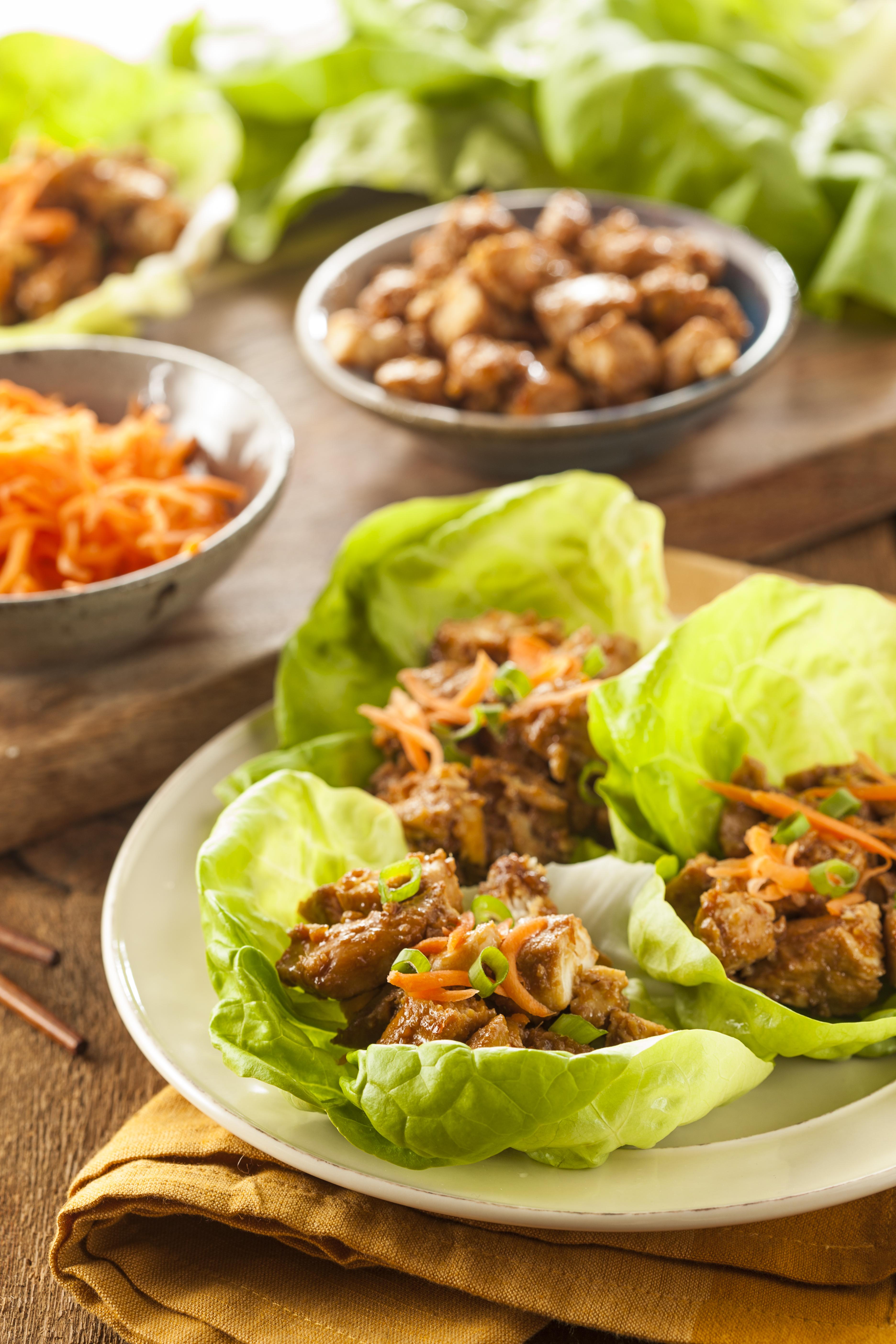 healthy-asian-chicken-lettuce-wrap-PCKCKG9 (1)