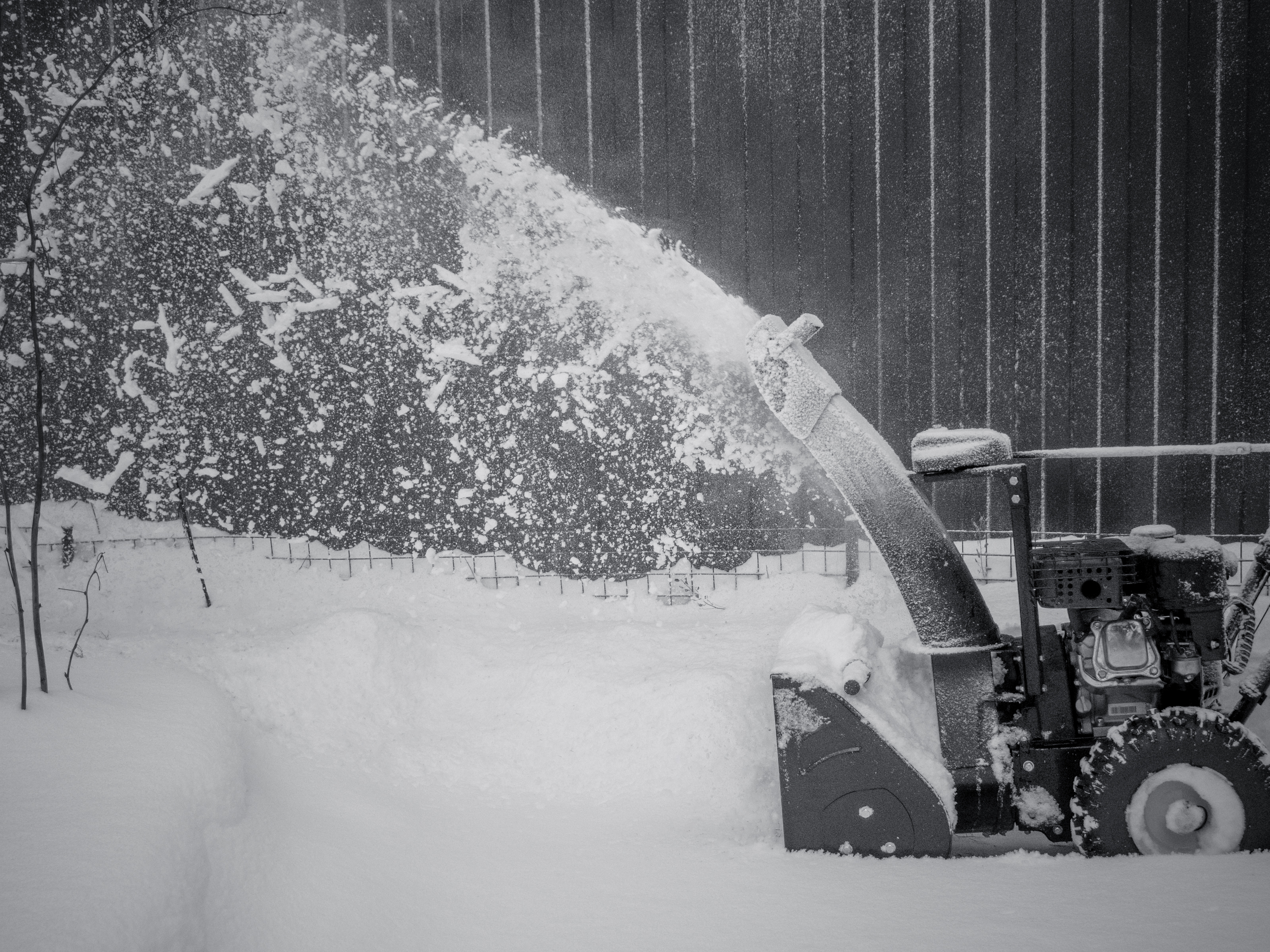 snowblower-at-work-on-a-winter-day-PWHJXQ4 (1)