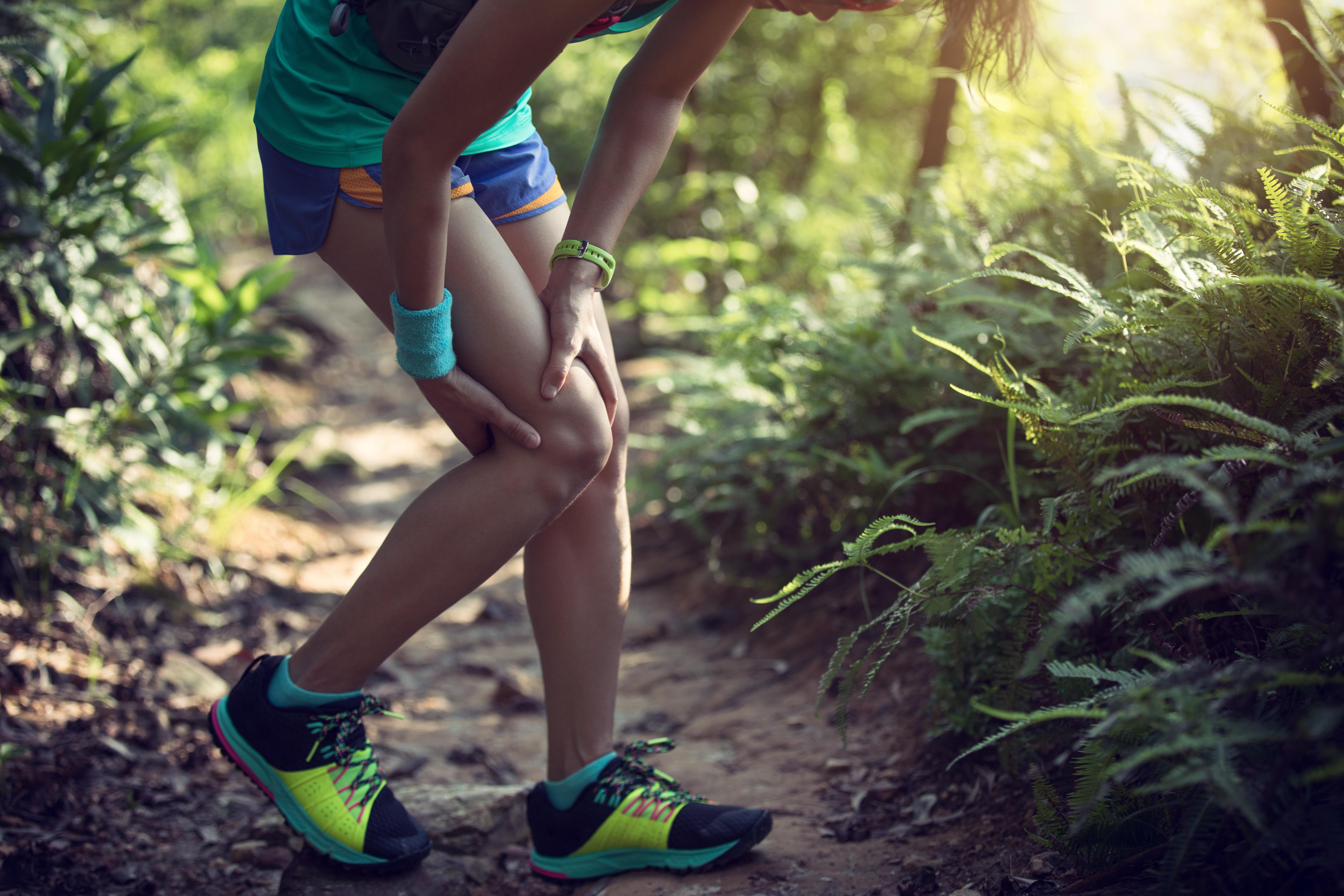 sports-injured-knee-6RG84DB (1)
