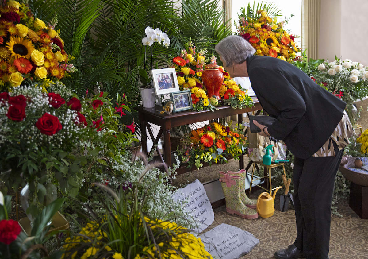 20+ Unique Funeral Personalization Ideas