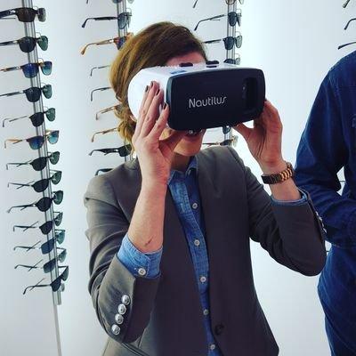 ba64dced6f Aude Chardenon est journaliste chez LSA consommation, et son fil twitter  regorge de posts liés au e-commerce, à l'utilisation de la réalité  virtuelle et de ...