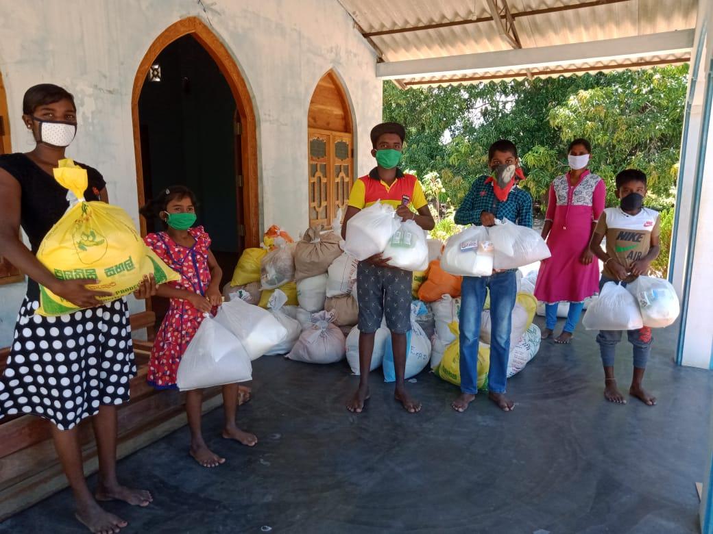 CCW Sponsor Children receiving their Relief NORTH