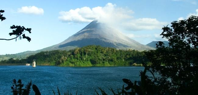 Costa_Rica_Arenal_Volcano-650-313.jpg
