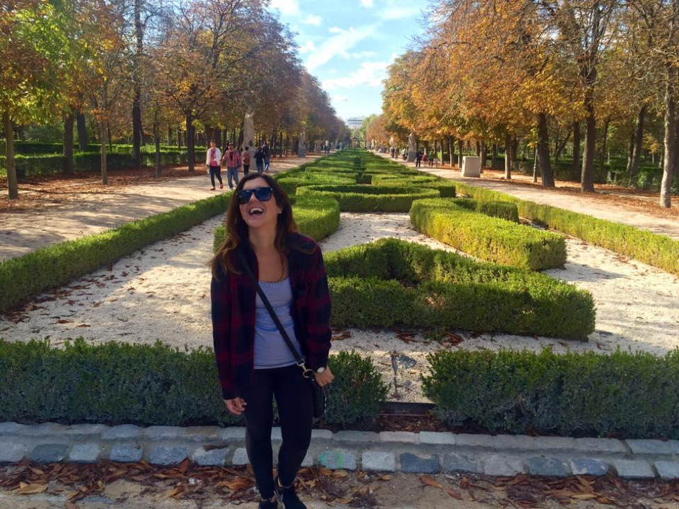 ITA Ambassador Christina Bates highlights her personal pros and cons of teaching English in Madrid, Spain