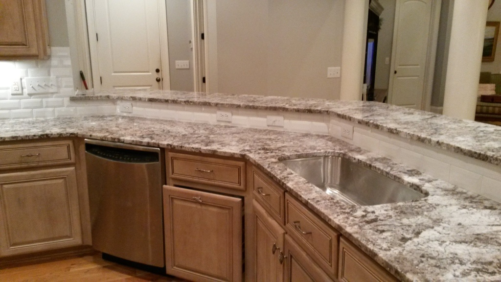 Sensa Ubatuba Granite In White Kitchens Images