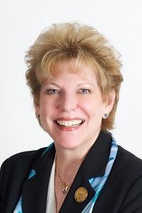 Linda-Hallman-headshot.jpg