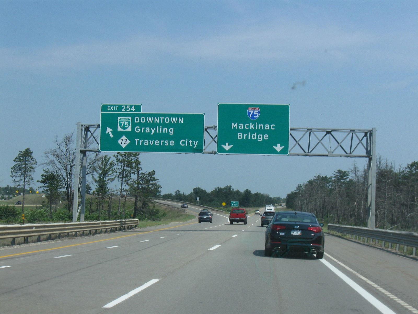 I-75 Michigan traffic accidents