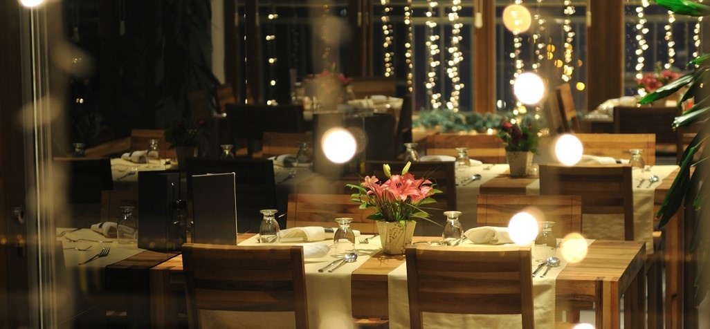 The Dining Experience – Aligning the Physical with the Digital